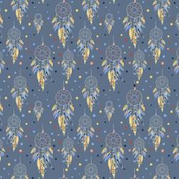 Lapače snů se žlutými pírky na modrém podkladě